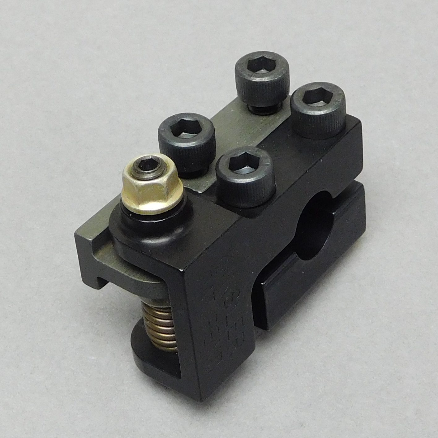 SPRING-SCREW LINKAGE